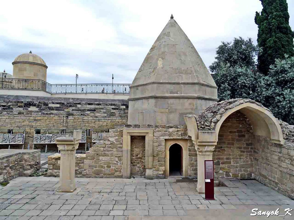 6936 Palace of Shirvanshahs Bakuvi Tomb Дворец Ширваншахов Мавзолей Яхья Бакуви